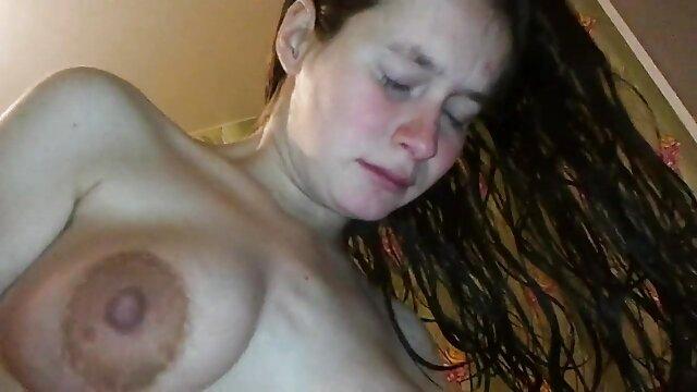 Roxy femme xnxx vierje chaude exhibitionniste