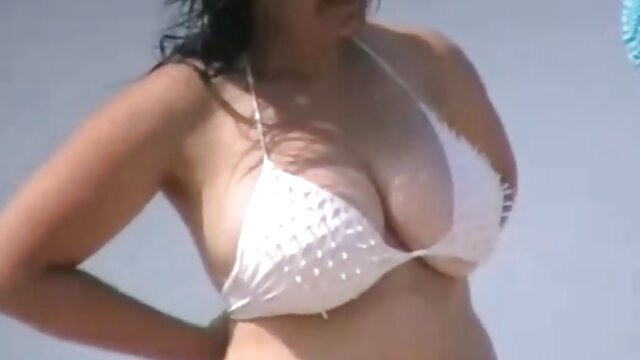 La video de sexe vierge plantureuse Natasha Nice se fait baiser