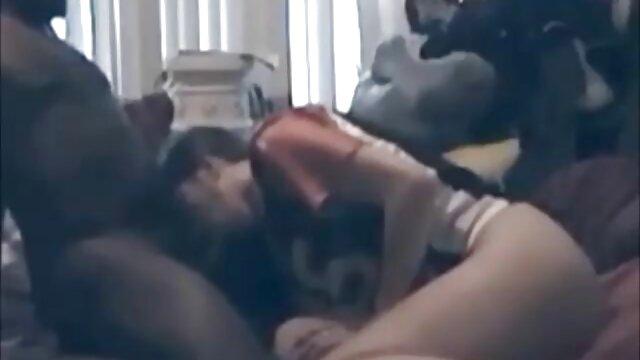 Dane Jones Nympho sexy coquine video de sexe vierge a besoin d'une bite dans sa chatte
