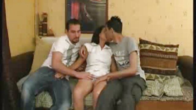 Hot film x jeune fille vierge Babe sur sa webcam